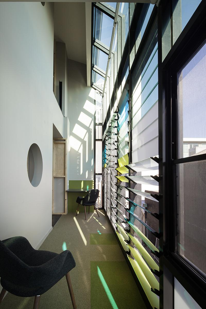 KYME_L2 common area & desk